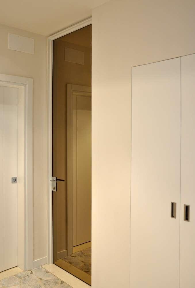ISY VITRA battente specchio bronzo stipite bianco-1000