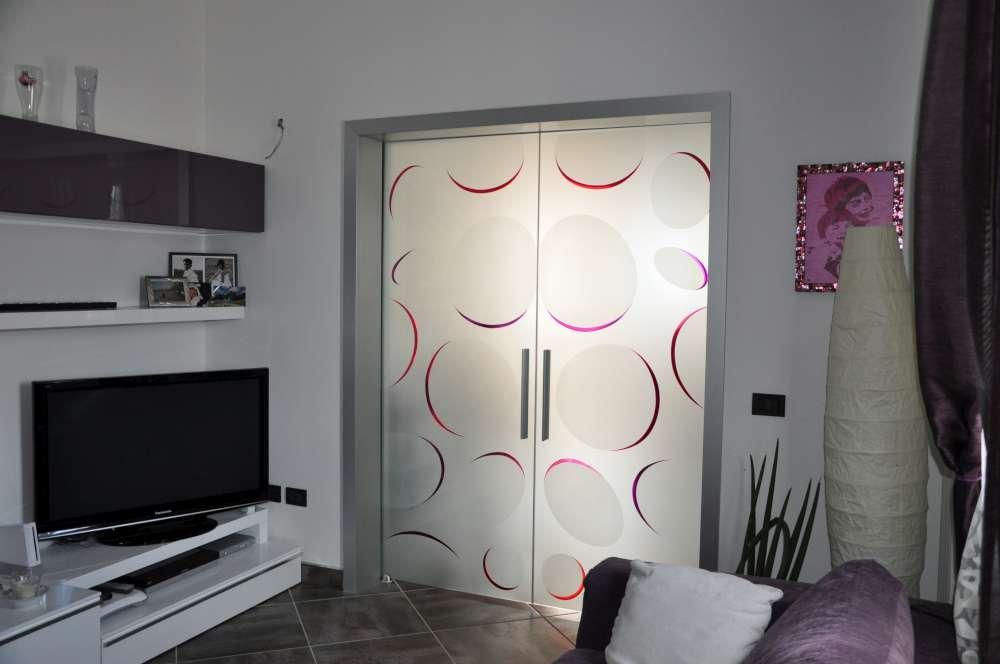 LIGHT alluminio decoro bolle color doppia scorrevole interno muro vetro acidato (3)-1000