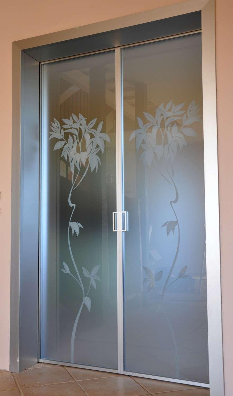 Mazzoli porte vetro porte modello mitika in alluminio for Alberelli da esterno