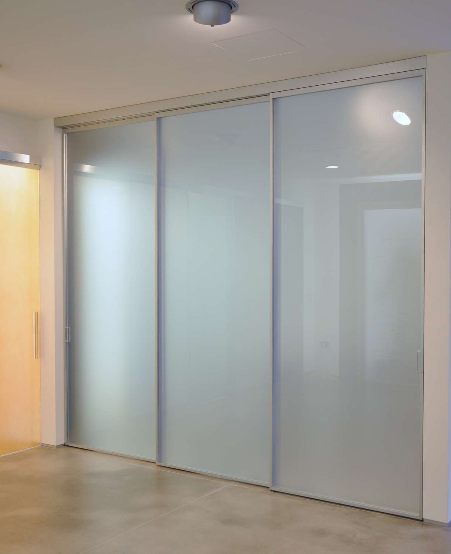 Porte Scorrevoli 3 Ante.Mazzoli Glass Doors Doors Model Mitika Aluminum Glass And Wood