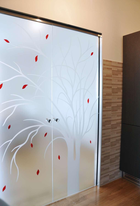 porte-cristallo-satinato-con-decoro-tree-su-controtelaio-a-scomparsa-scrigno-essential-13-1500