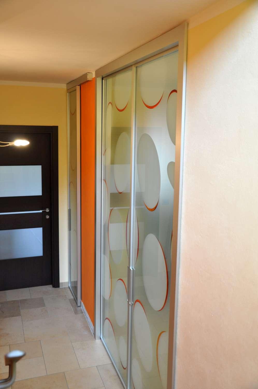 Porte scorrevoli interno ed esterno muro MITIKA alluminio vetrate con decoro bolle vetro satinato maniglia X11 (2)-1500