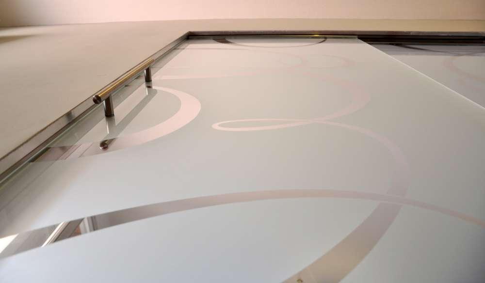 porte-vetro-cristallo-extrachiaro-su-sistema-scrigno-essential-dual-sovrapposto-decoro-personalizzato-8-1000
